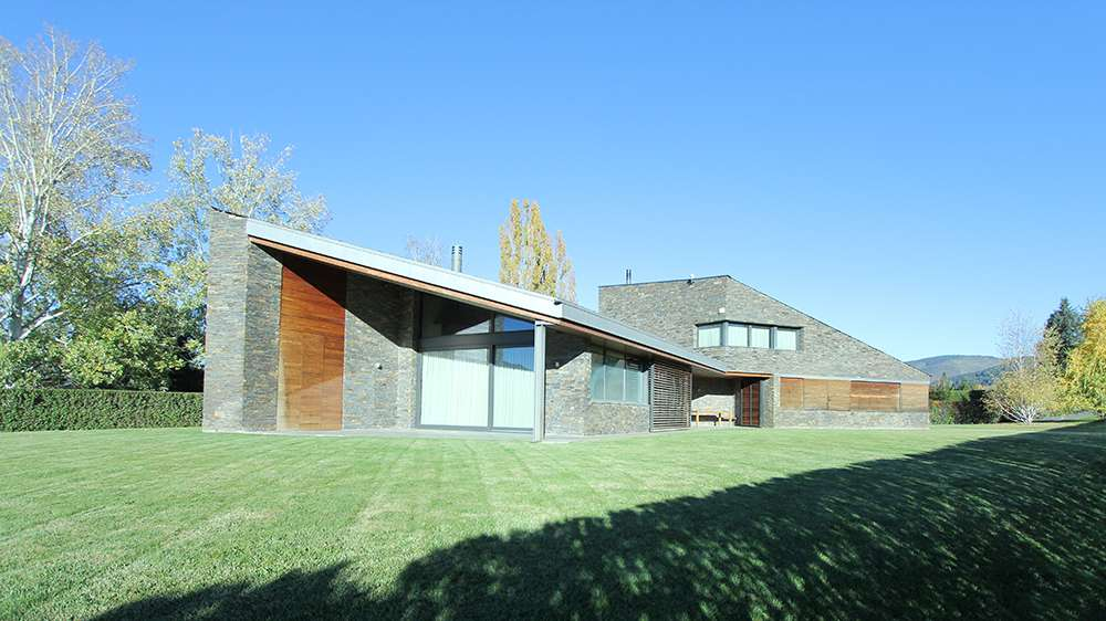 Modern house close to ski slopes, Prats