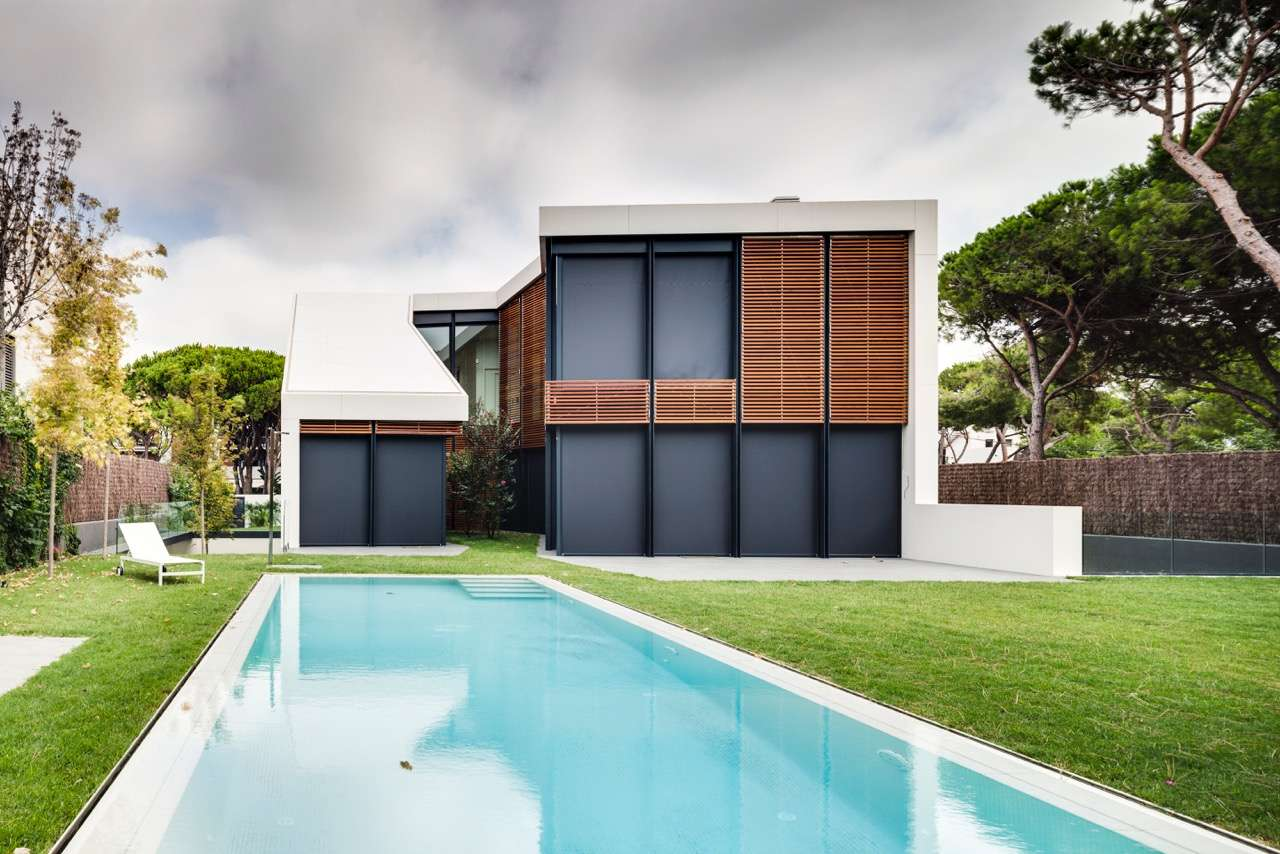 Brand-new villa for sale in Gava Mar