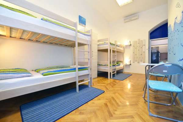 Hostel for sale near Placa Catalunya