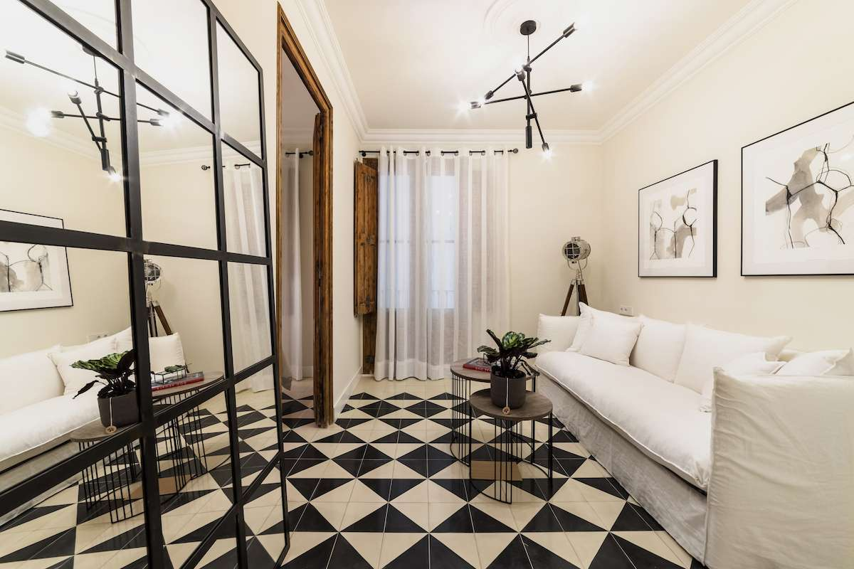 A designer's apartment in Eixample