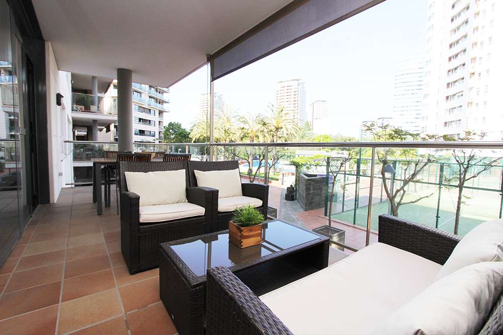 Bright apartment with parking and pool, Diagonal Mar