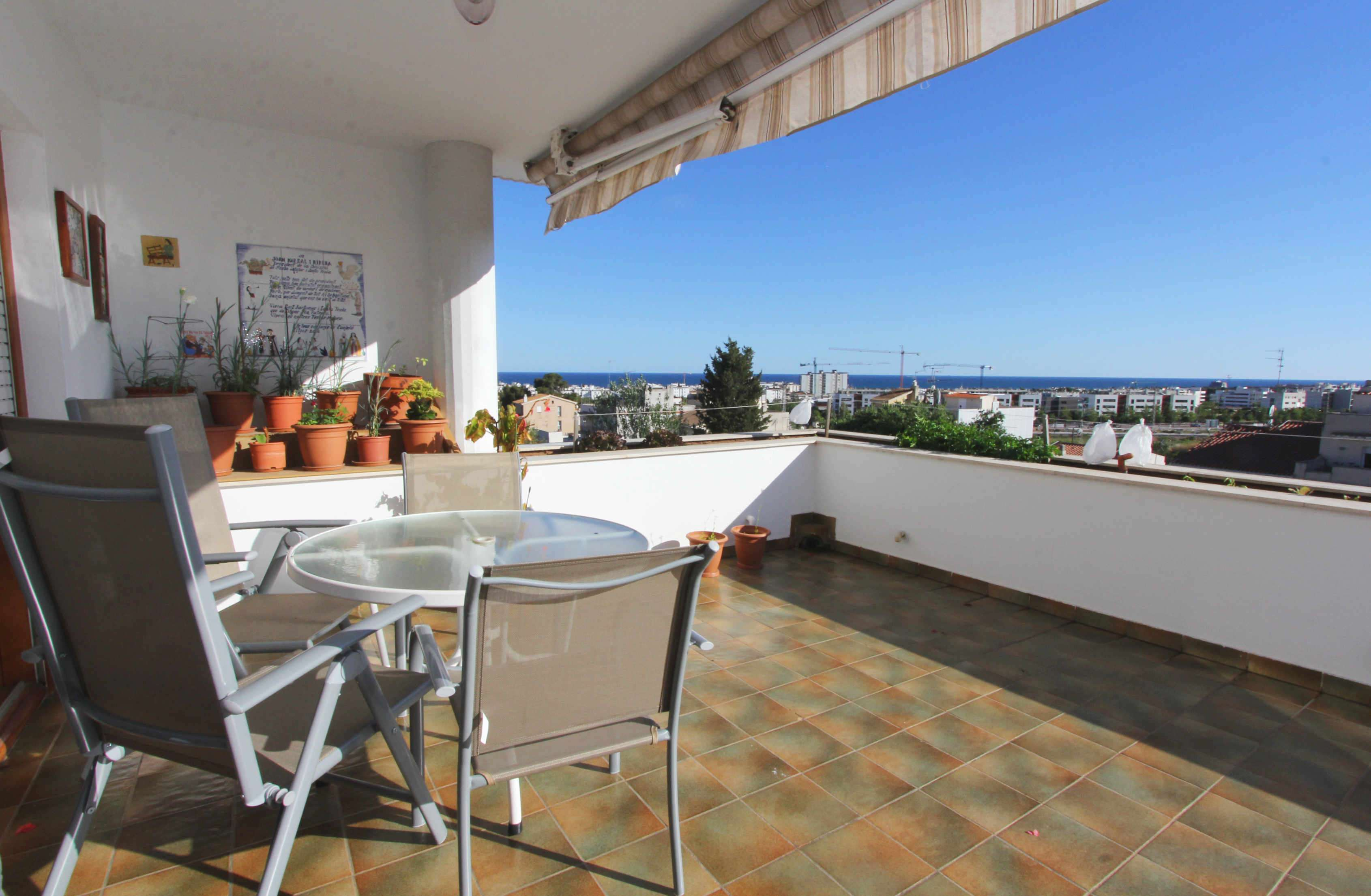 Duplex penthouse with sea views in La Bóbila, Sitges