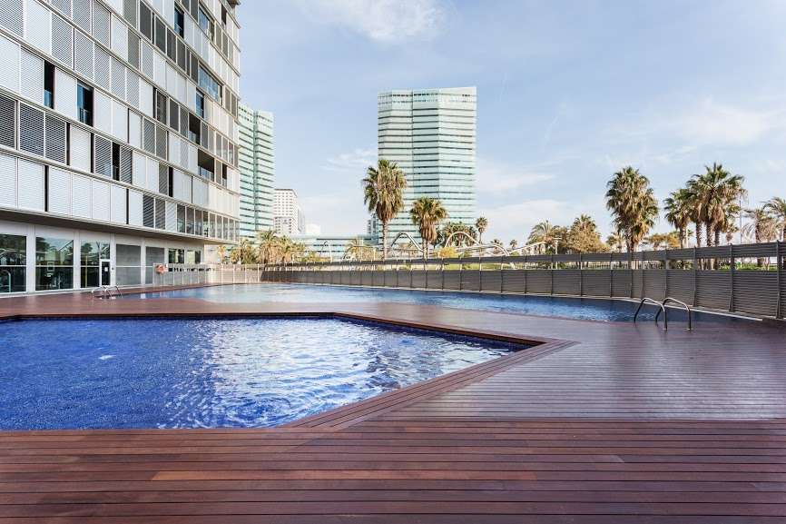Sunny Apartment next to the Beach in Diagonal Mar