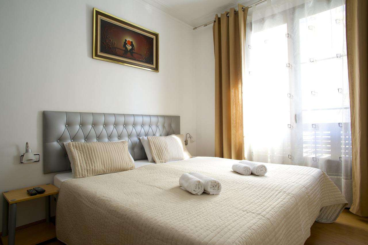 Hostel for sale near Catalonia Square