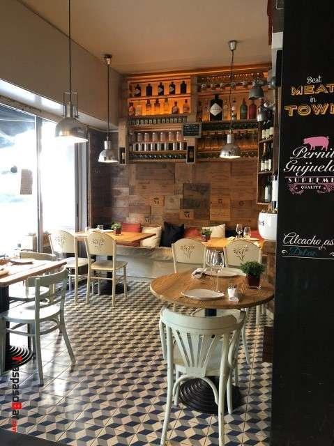 Restaurant in Eixample
