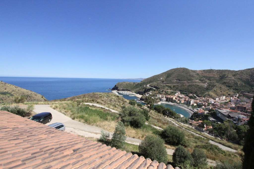 Exclusive mansion in Portbou