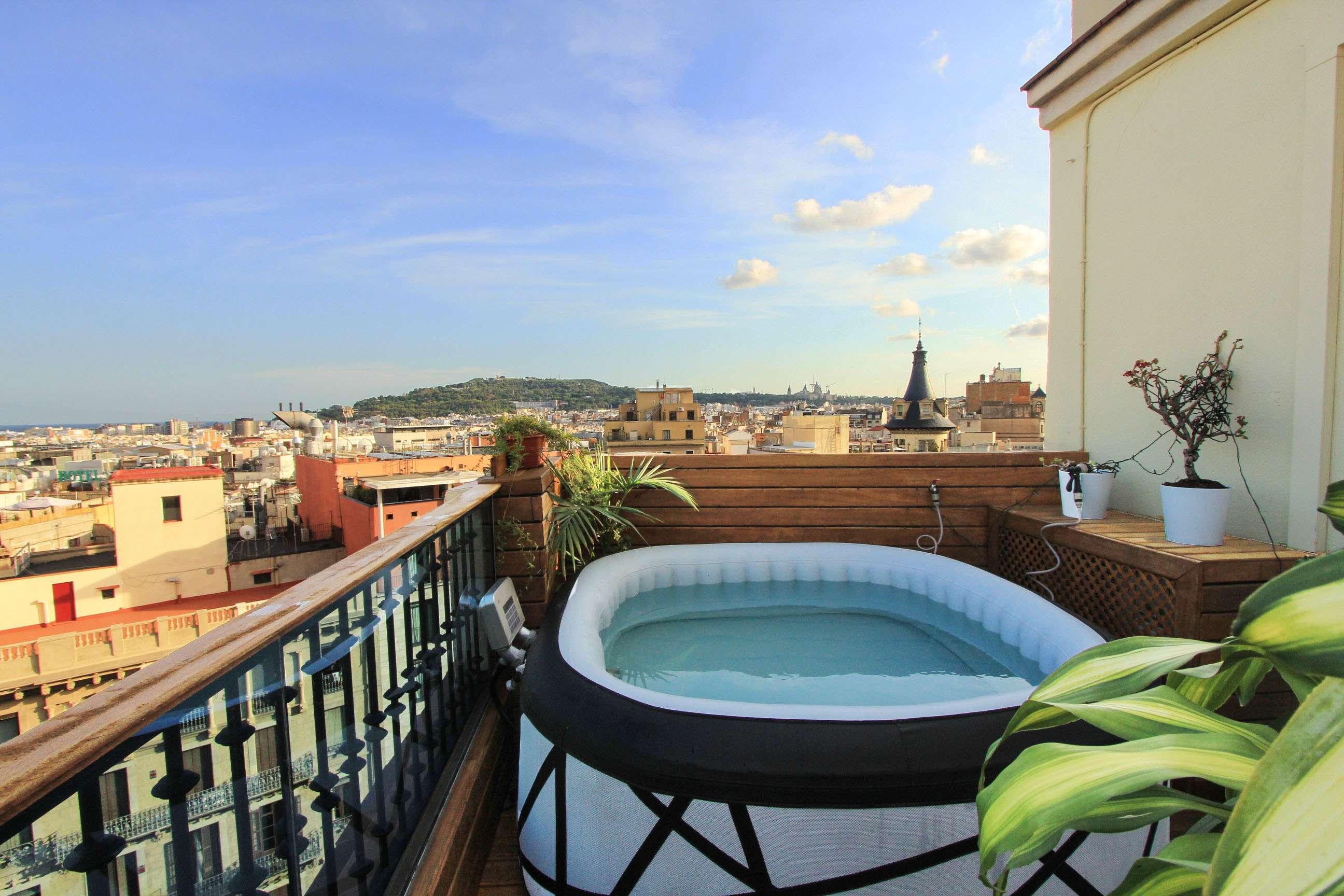 Attic penthouse with views of Plaça Catalunya