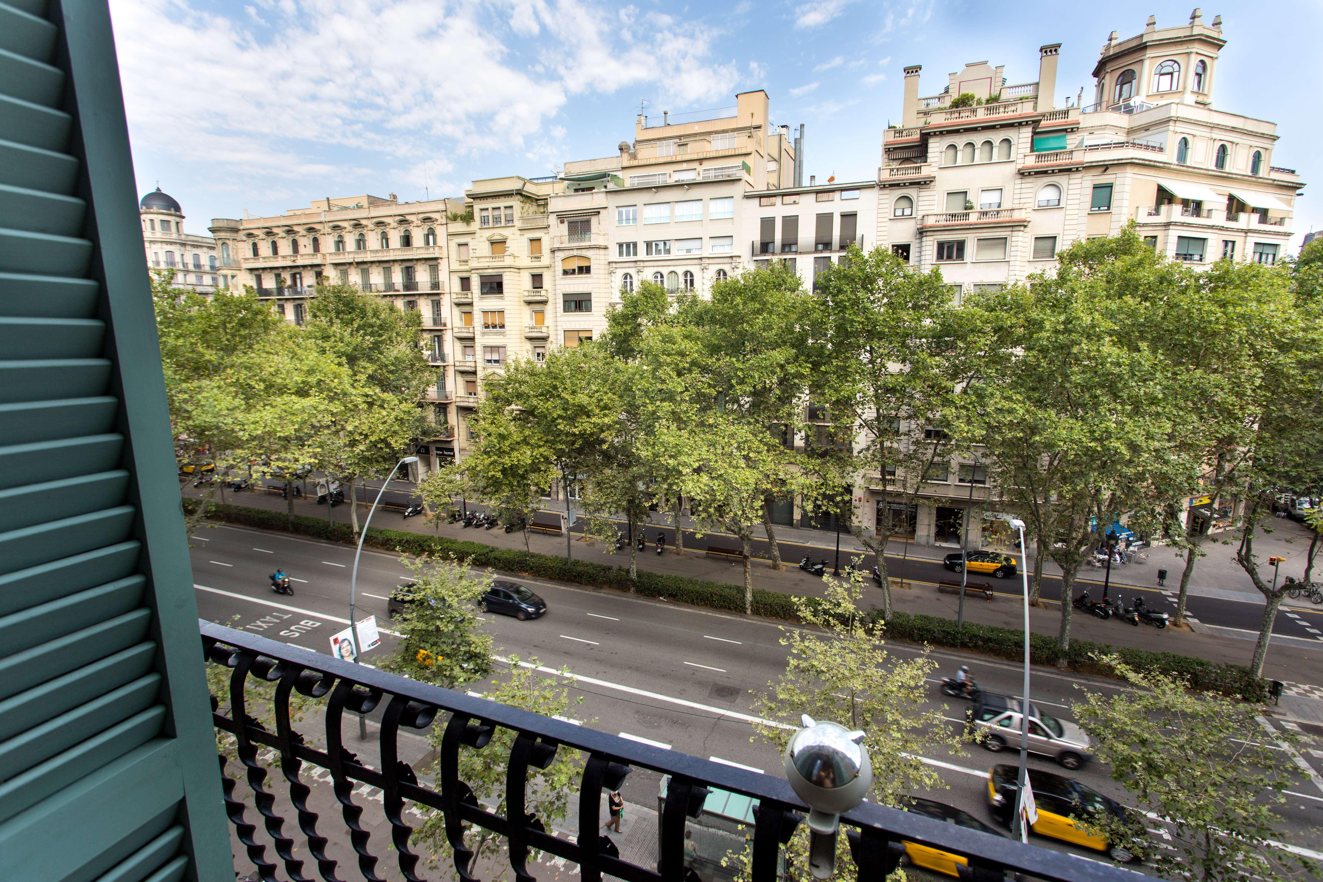 Excellent flat in  Gran via les corts Catalanes