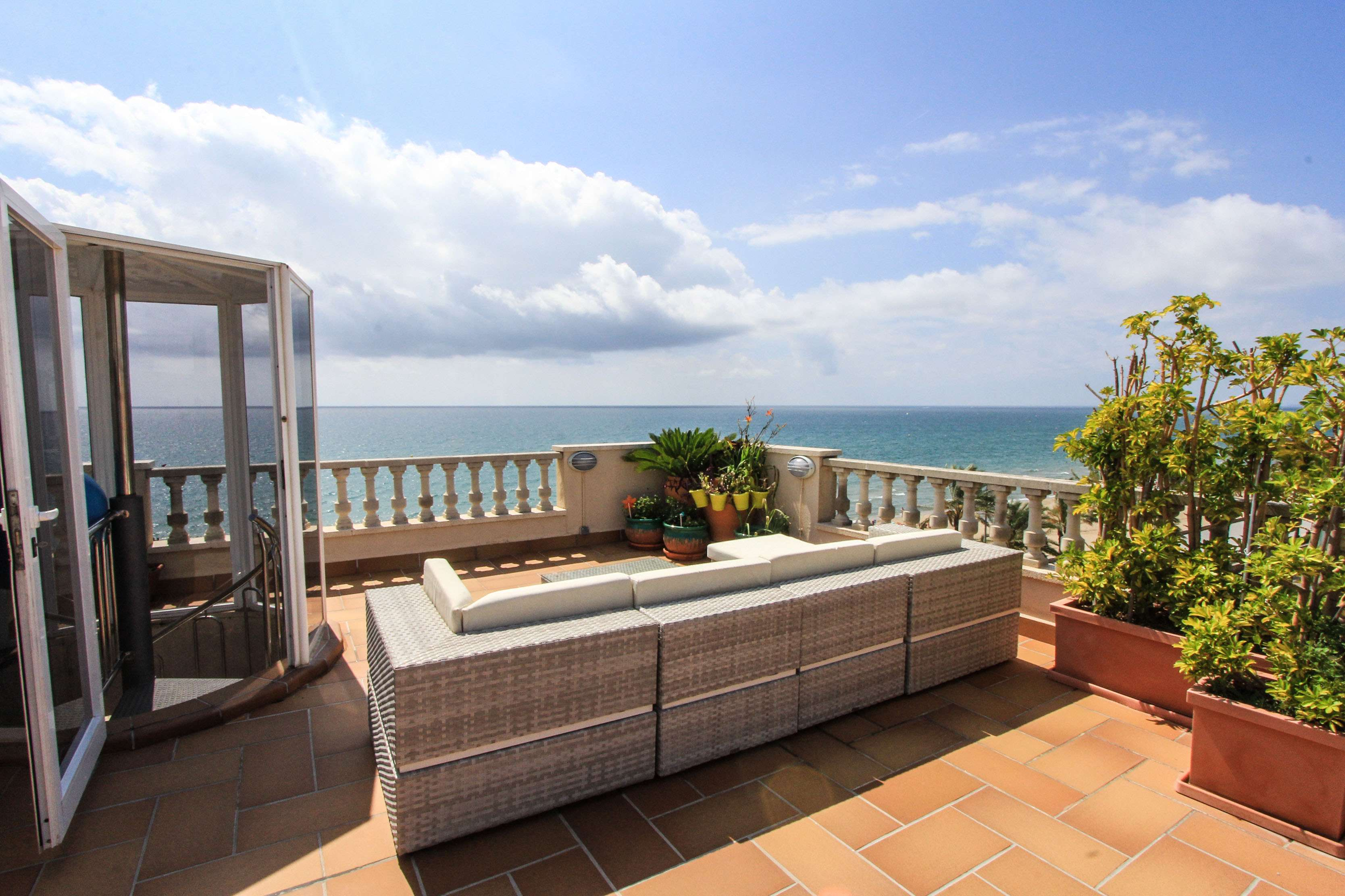 Two floor penthouse on the first line in Calafell