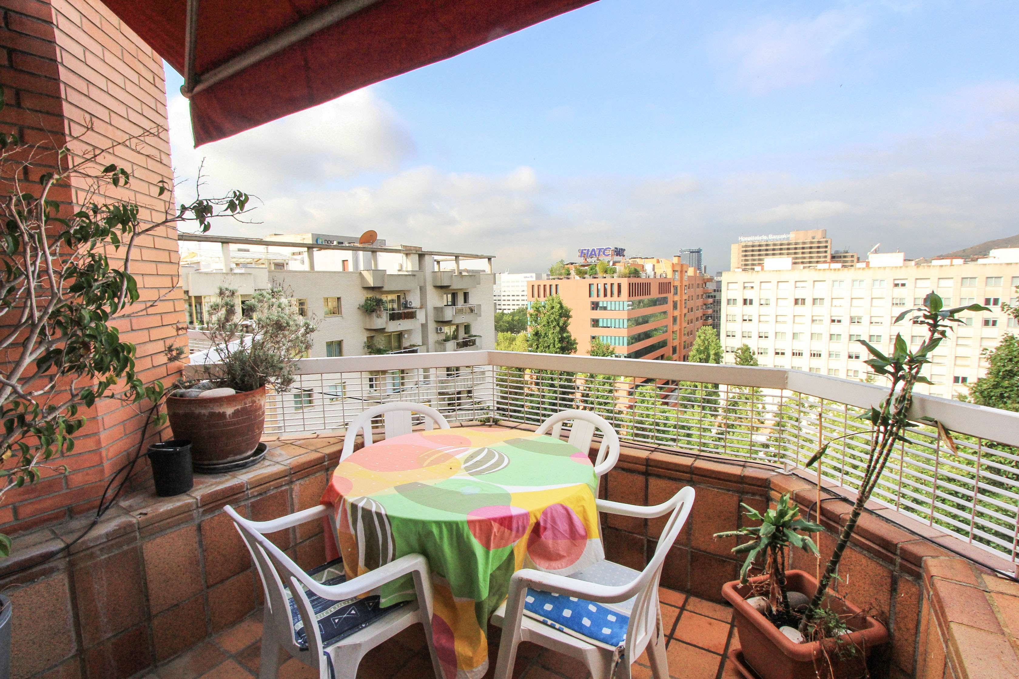 Flat in Les Corts with terrace