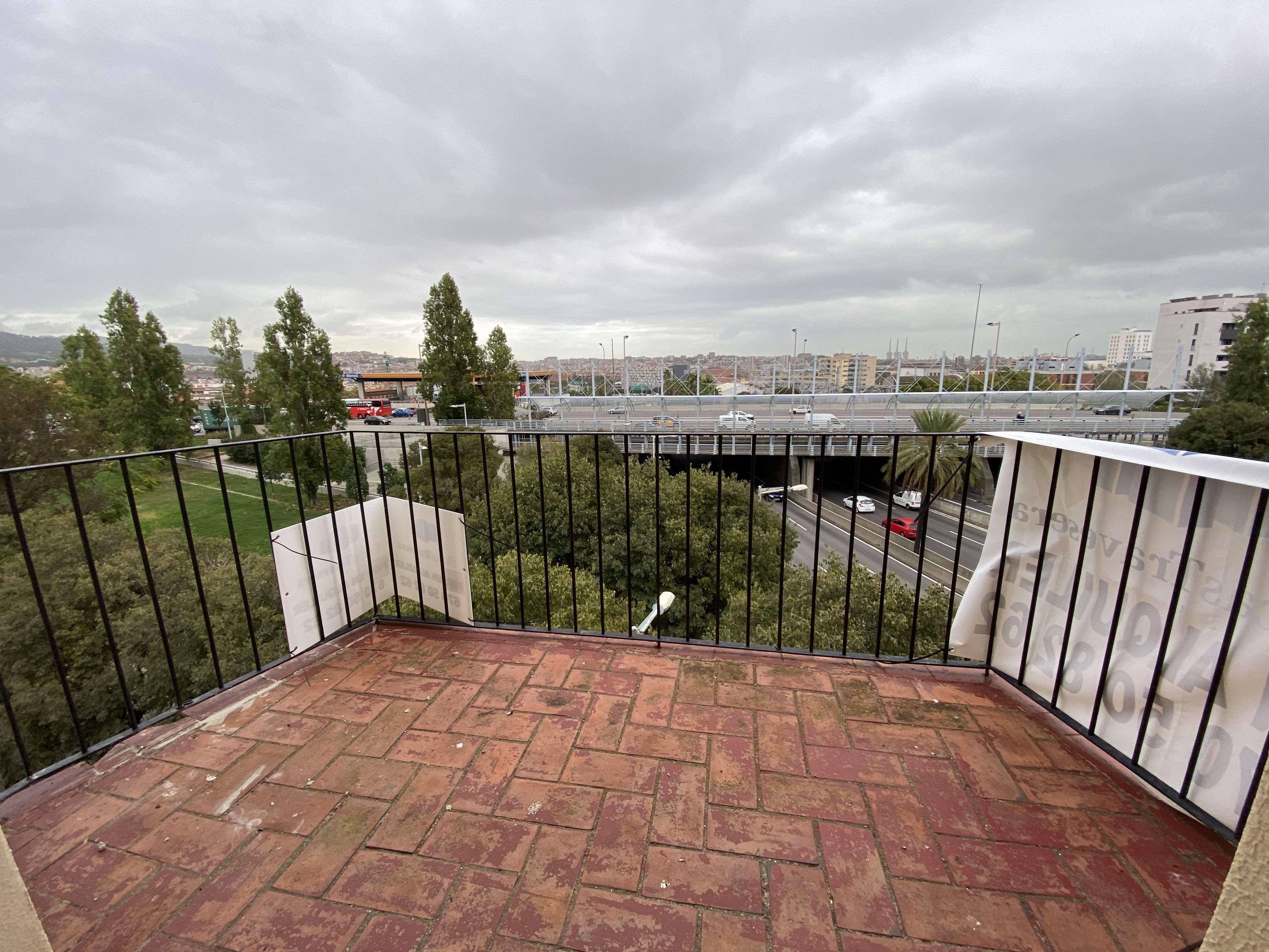 Flat with a balcony