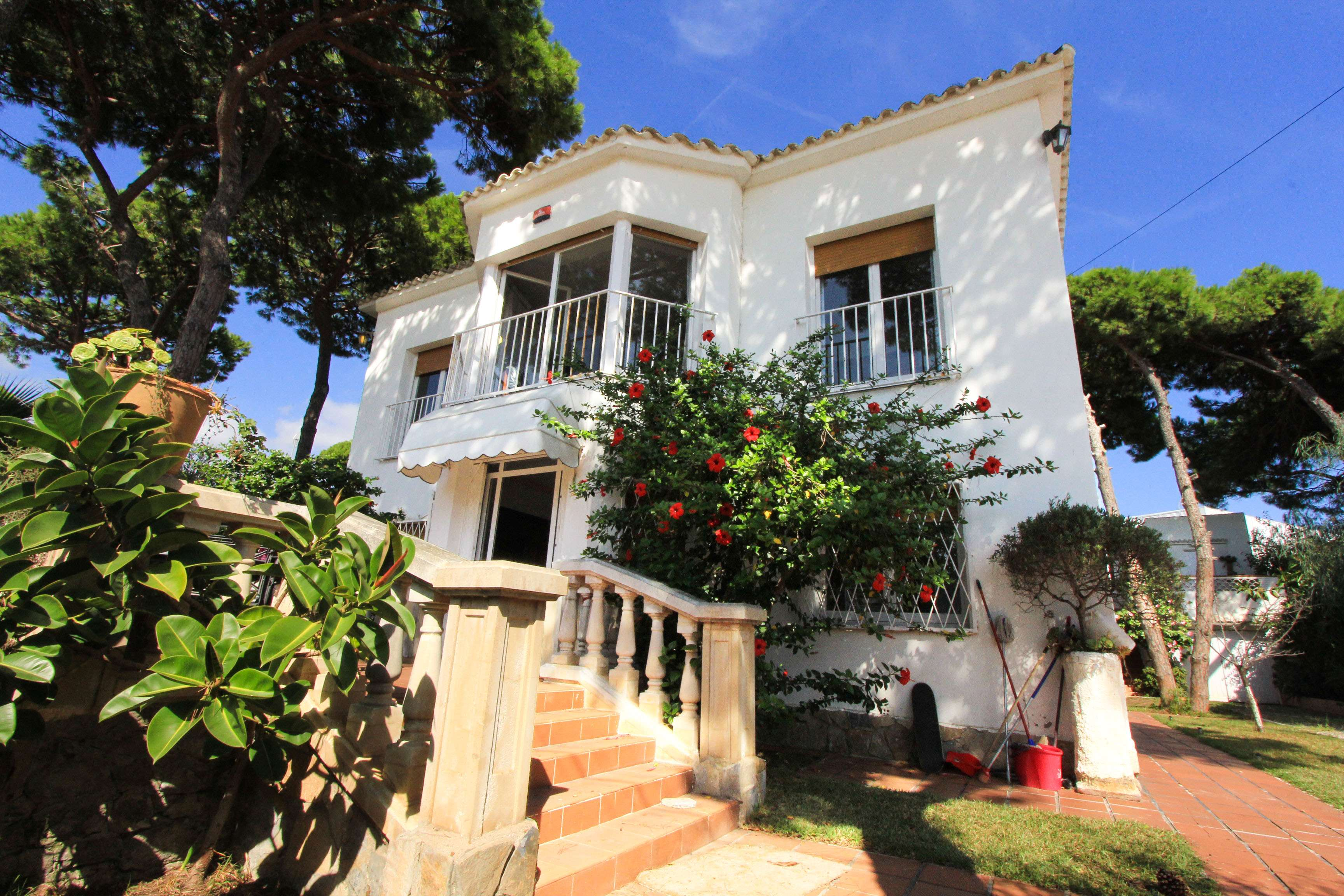 Family house for rent in Castelldefels