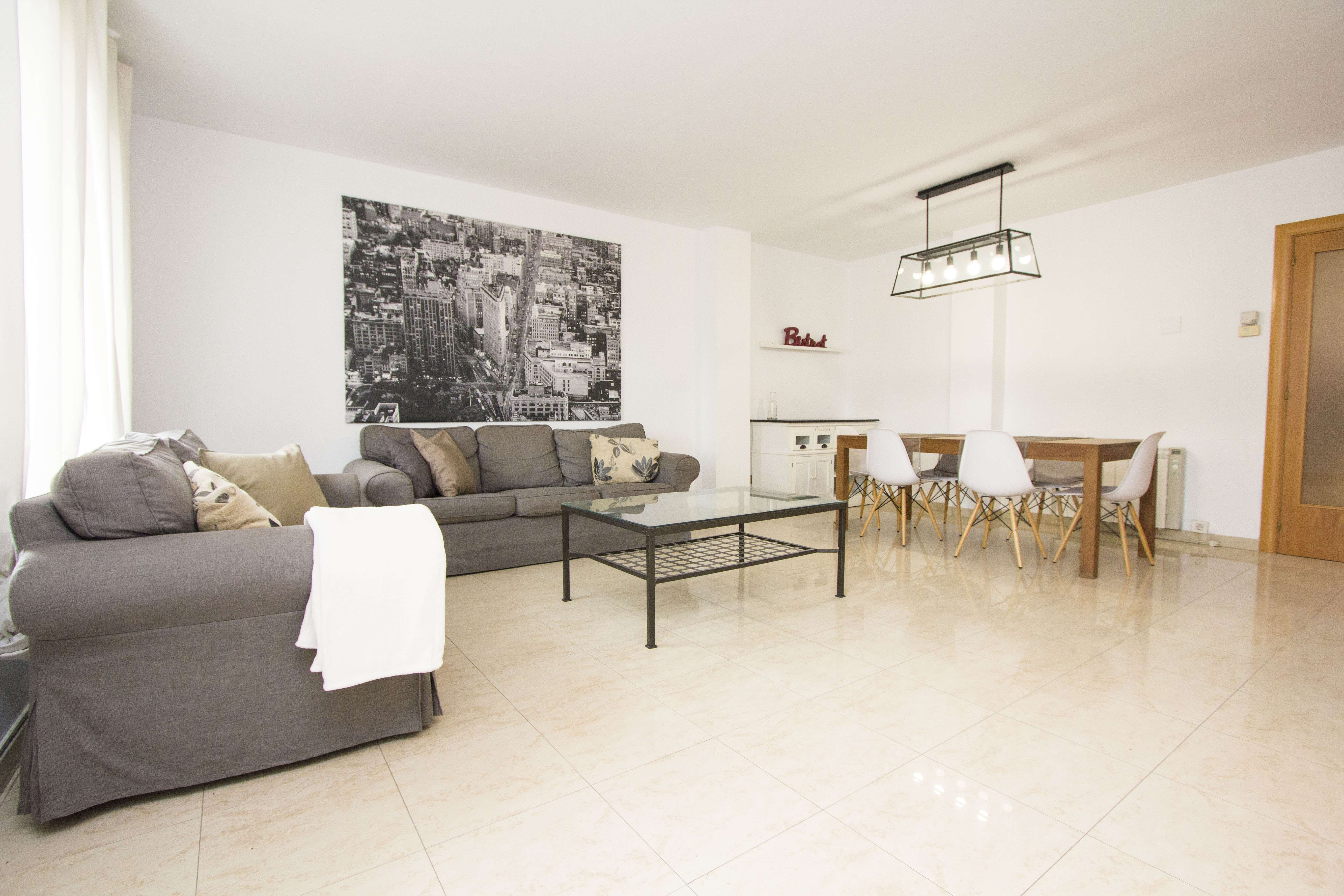Spacious Apartment in El Eixample, Barcelona
