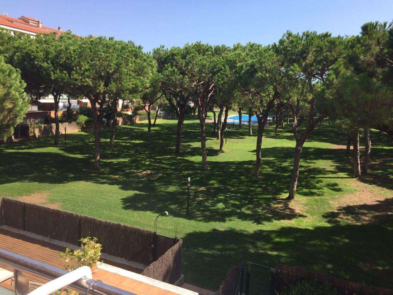 Flat on the second line of the sea in Gava Mar